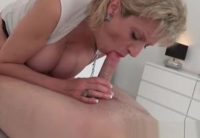 Brit mature Nymph Sonia hotwife on her..